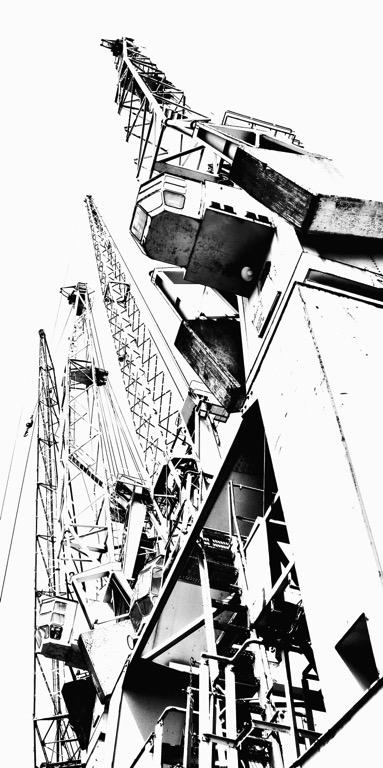 der Fotokünstler Hamburg Hafen Bilder Fotos Bild Foto Fotografie Grossformat Grossformatig Gross Leinwand Leinwanddruck Canvas Alu-Dibond Aludibond Alu Dibond Acrylglas Fotobearbeitung Kunst Kunstwerk Art Kreativ Kran Kräne Hafenkran Hafenkräne Kampnagel Schwarz Weiß Weiss